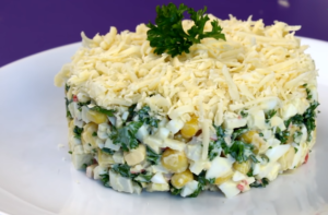 Салат из яиц и консервированной кукурузы