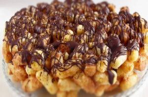 Торт из кукурузных палочек и сгущенки