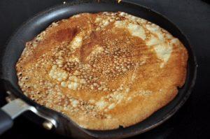 Вкусные блины с яблоками на молоке: рецепт с фото пошагово