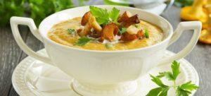 Крем-суп из лисичек со сливками