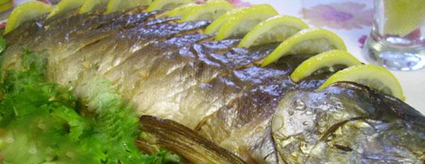 Горбуша, запеченная в духовке в фольге с лимоном
