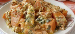 Тыква в сметанном соусе с чесноком