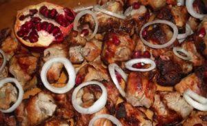 Шашлык из свинины в гранатовом соусе