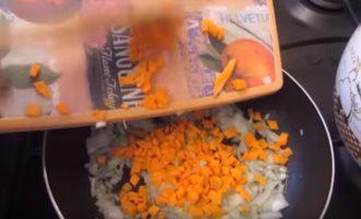 Уха из кеты: с филе и головой два рецепта пошагово в домашних условиях