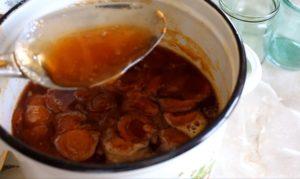 Душистое варенье из абрикосов без косточек на зиму: проверенный рецепт