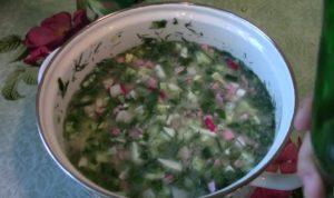 Окрошка на минеральной воде: идеальный рецепт супа для жаркого дня