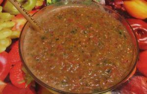 Домашняя аджика из помидоров без уксуса и варки: легкий рецепт