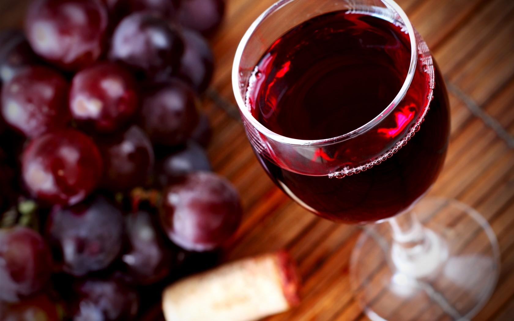 Подбор сырья для вина. Подготовка плодов и ягод для переработки в виноматериал. Отжим сока