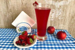 Компот из красной смородины и вишни – бодрящий напиток с ярким вкусом