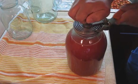 Томатный сок на зиму без стерилизации: быстрый рецепт без хлопот