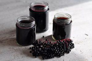 Оригинальное вино из ягод черной бузины