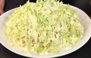 Вкусный и нежный салат Лебединый пух: рецепт с фото пошагово