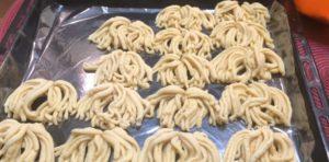 Печенье Хризантема через мясорубку с майонезом