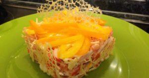 Салат-закуска к новогоднему столу с ажурными чипсами