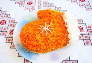 Салат к новогоднему столу «Варежка»