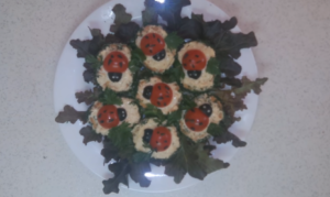 Как приготовить бутерброды «Божья коровка» на праздничный стол
