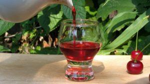 Вишневый ликер на водке в домашних условиях: простой рецепт